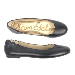 Sam Edelman Finnegan Scallop Black Leather Flats